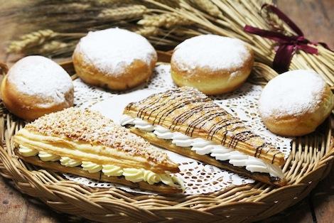 Croissant pur beurre et fourré de Créme diplomate et ganache au chocolat - Pâtisserie Amandine Marrakech