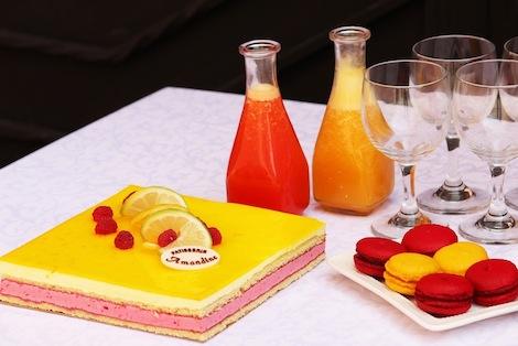 L'alliance entre une mousse au citron et une mousse à la framboise. - Pâtisserie Amandine Marrakech