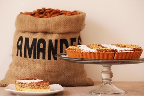 Une tarte classique exclusivement à base d'amandes. - Pâtisserie Amandine Marrakech